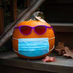 pumpkin wear a mask for covid halloween
