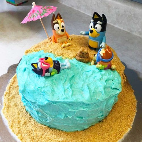 bluey-party-theme-beach-diy-cake-sq-little-ones-party-hire